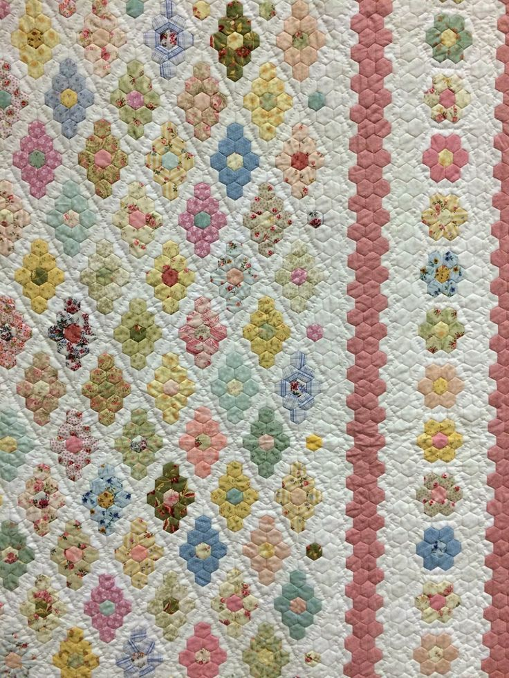 194 best Hexie Quilts images on Pinterest Hexagon quilting, Hexagons and Patchwork quilting