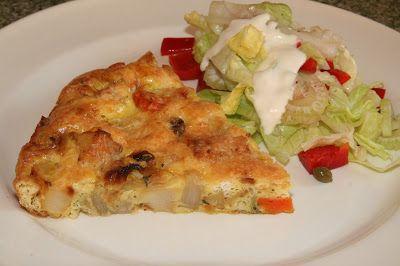 Lekker op het platteland: frittata Bijzondere aan dit recept: de groenten worden eerst in de oven gaar gemaakt (tot ze karamelliseren). Daarna worden de losgeklopte eieren toegevoegd.