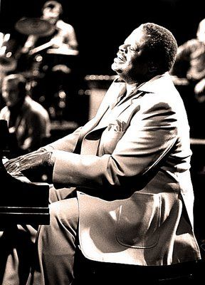 Oscar Peterson's music is made of sweat, passion and joy. His technique is incredible and the fact that he puts all himself in every note he plays makes him my favorite pianist by far.
