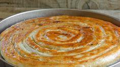 Отличный рецепт, когда гости уже на пороге, а угостить их нечем. Такой вкусный пирог удивит и обрадует всех. Готовьте добавку!