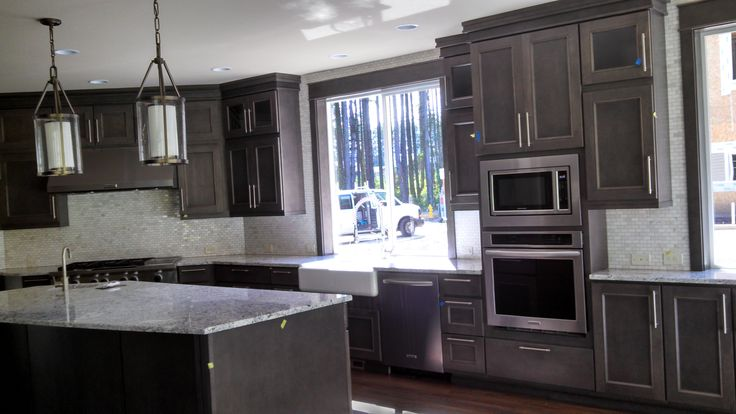 Beautiful kitchen in seattle huntwood 39 s great customer for Kitchen cabinets seattle