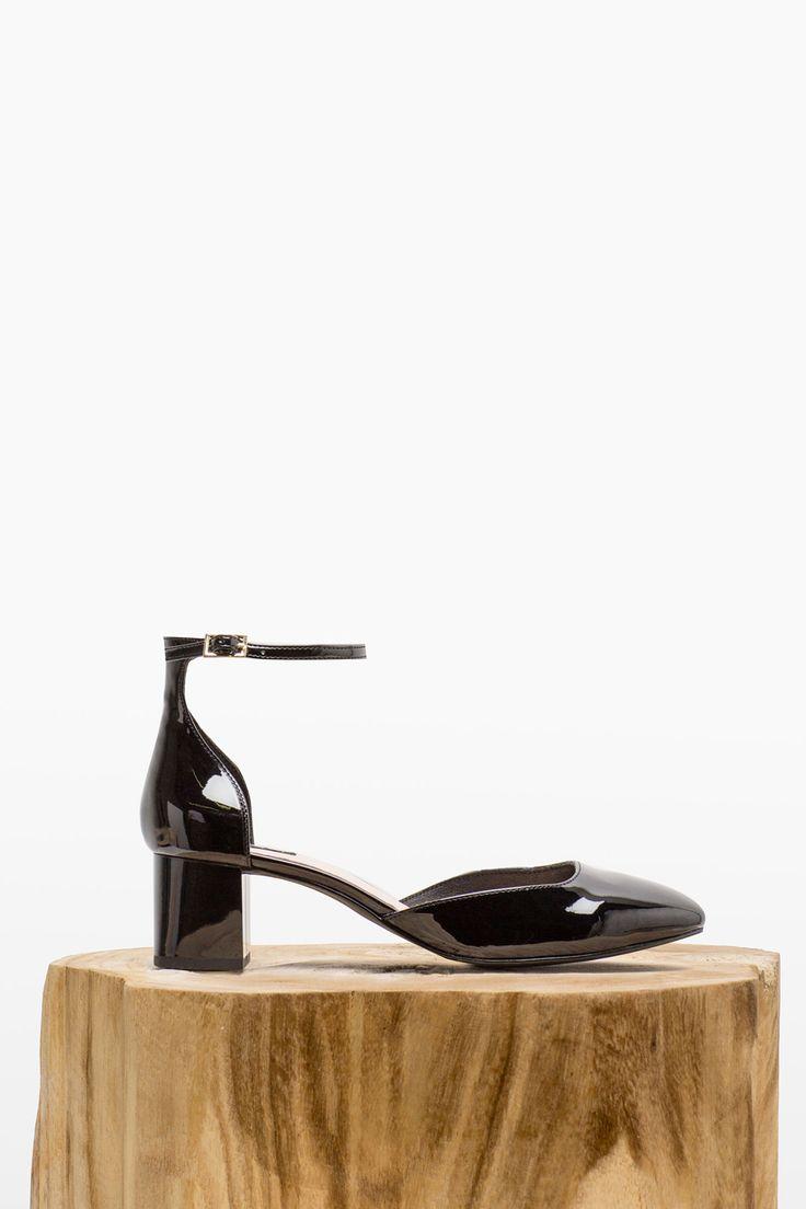 Zapato de de charol con pulsera al tobillo. Tacón grueso de 5cm | Zapatos | Cortefiel