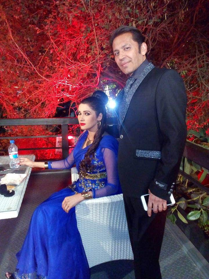 https://flic.kr/p/TgGxh7 | ROHID AKI KHAN and ZARA MALIK | at shooting in X2 Lahore, Pakistan