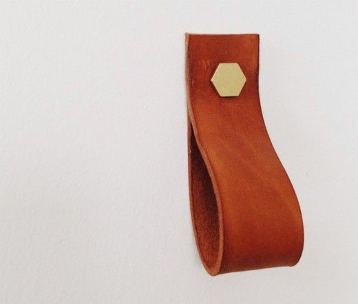 DIY Leather and brass pull handle by Brick House, http://www.the-brick-house.com/2013/02/leather-handle-diy/