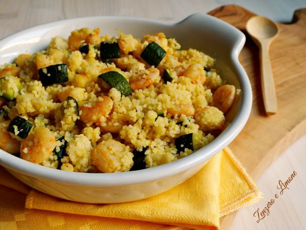Cous cous gamberi e zucchine