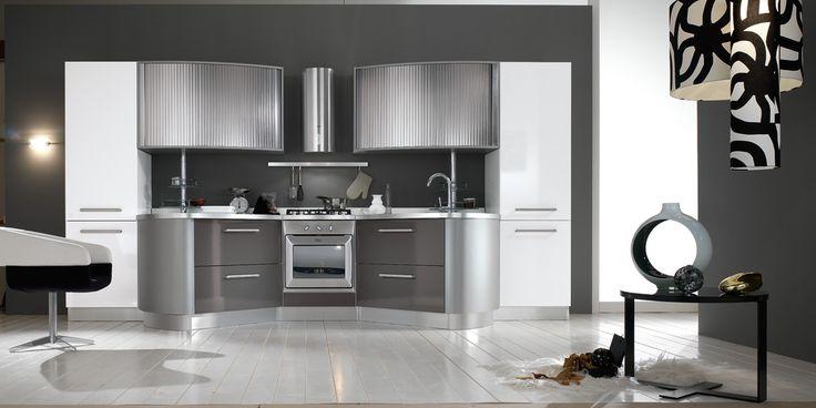 Round: a modern and avant-garde that responds to every need. http://spar.it/ita/Catalogo/Cucine/Cucine-moderne/ROUND/Proposta-ROU-5-cd-492.aspx