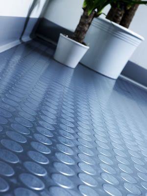 Rubber flooring: Simply perfect for our kitchen floor