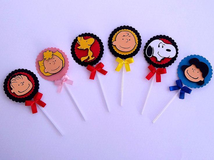 A turma do Snoopy e Charlie Brown veio alegrar a sua festinha com estes lindos toppers para decoração de docinhos, bolinhos, brownie, etc. Festa Snoopy