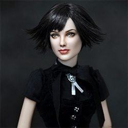 We have all seen lifelike dolls of celebrities, but these dolls by Noel Cruz take it to the next level.