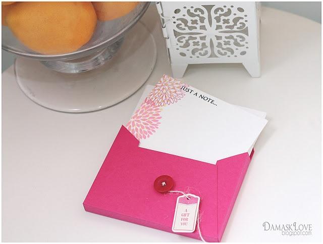 Handmade set of notecards and envelope/: Cards Sets, Envelopes Tutorials, Sets Envelopes, Perforated Note, Note Cards, Cards Gifts, Gifts Sets, Gifts Envelopes, Diy Cards