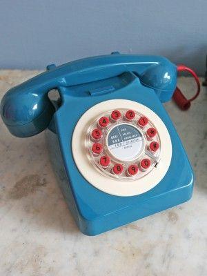 Classic 746 Phone Teal Blue