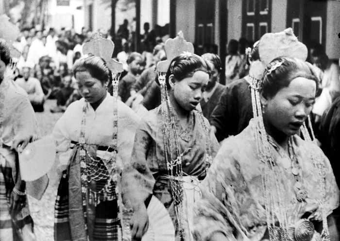 Bugis tradtional clothing, back the past times