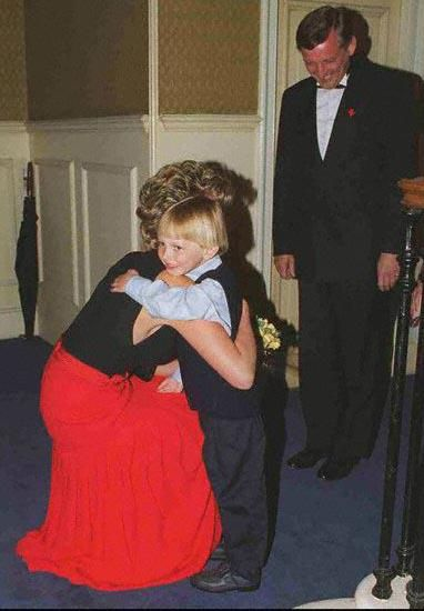 May 8, 1995:  Diana, Princess of Wales at a charity fund-raiser in at Royal Albert Hall in LONDON --- Image by © GRAHAM TIM/CORBIS SYGMA © Corbis. All Rights Reserved.