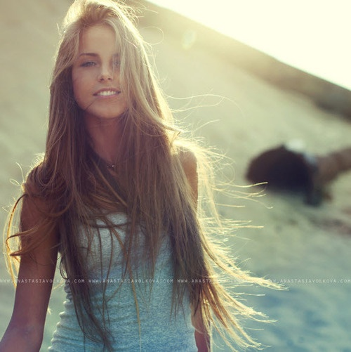 i want her hair. the color and length... perfect