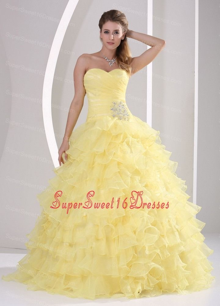 Light Yellow Ruffles Sweetheart Appliques and Ruch Sweet 16 Gowns For Military Ball