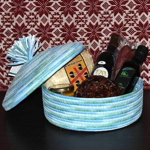 Nora, cesto regalo con prodotti tipici sardi - SardinianStore. Prodotti Tipici Sardi