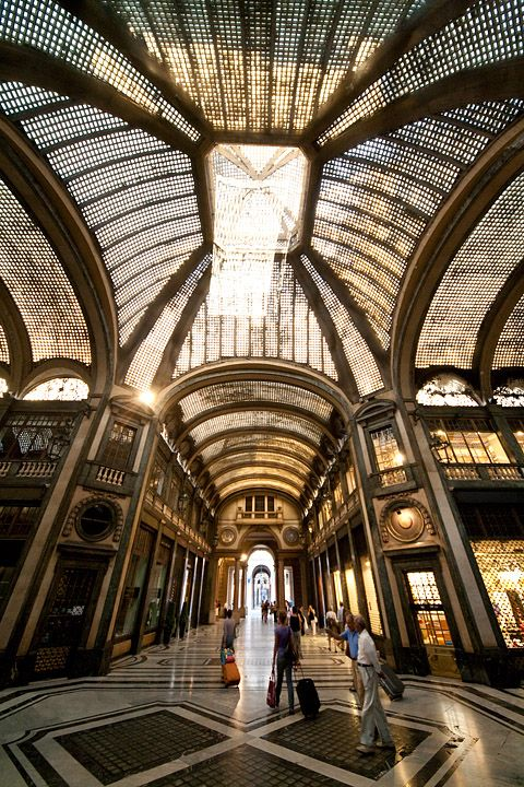 galleria san federico torino -  via roma sigma 12-24 foto stupenda incredibile prospettiva totale cinema lux passeggio luce