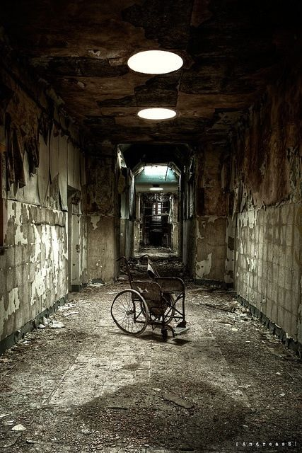 Asylum ~ I mean, the way to the restrooms in Nopeville ~