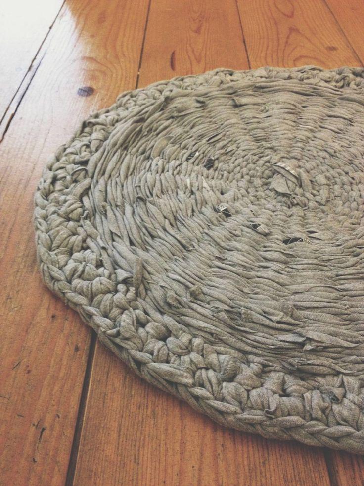Teppich aus Stoffstreifen/T-Shirts