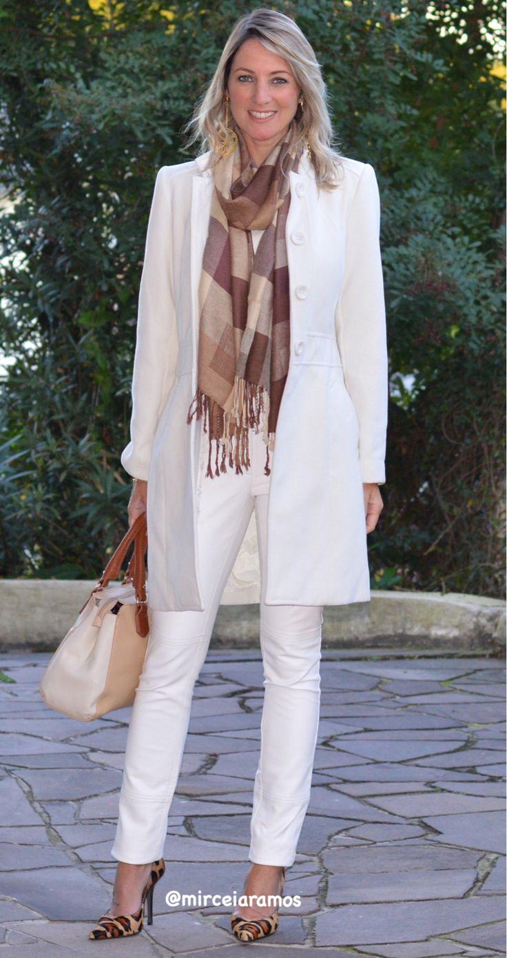 Look de trabalho - look do dia - look corporativo - moda no trabalho - work outfit - office outfit - spring outfit - look executiva - fall outfit - calça Branca - casaco de lã - scarpin - look de inverno - Winter - executiva - white pants - tons claros no inverno - all white - animal Print