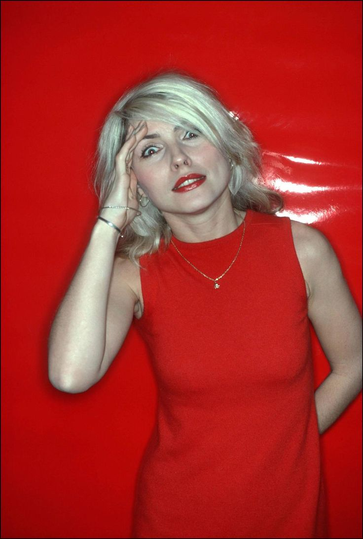 Debbie Harry, Red Salute, 1978. Allan Tannenbaum.
