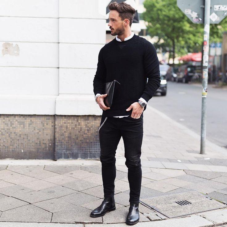 白バンドカラーシャツ×黒トレーナー×黒スキニーパンツ×黒サイドゴアブーツ