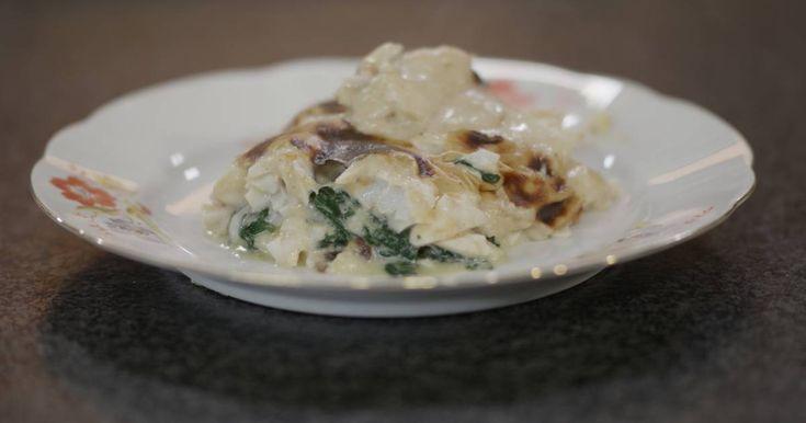 Wanneer 'Florentine' opduikt in de naam van een recept, dan komt er gegarandeerd vis met spinazie aan te pas. De twee gaan uitstekend samen en vandaag belanden ze in een ovenschotel, samen met puree en een milde mosterdsaus.