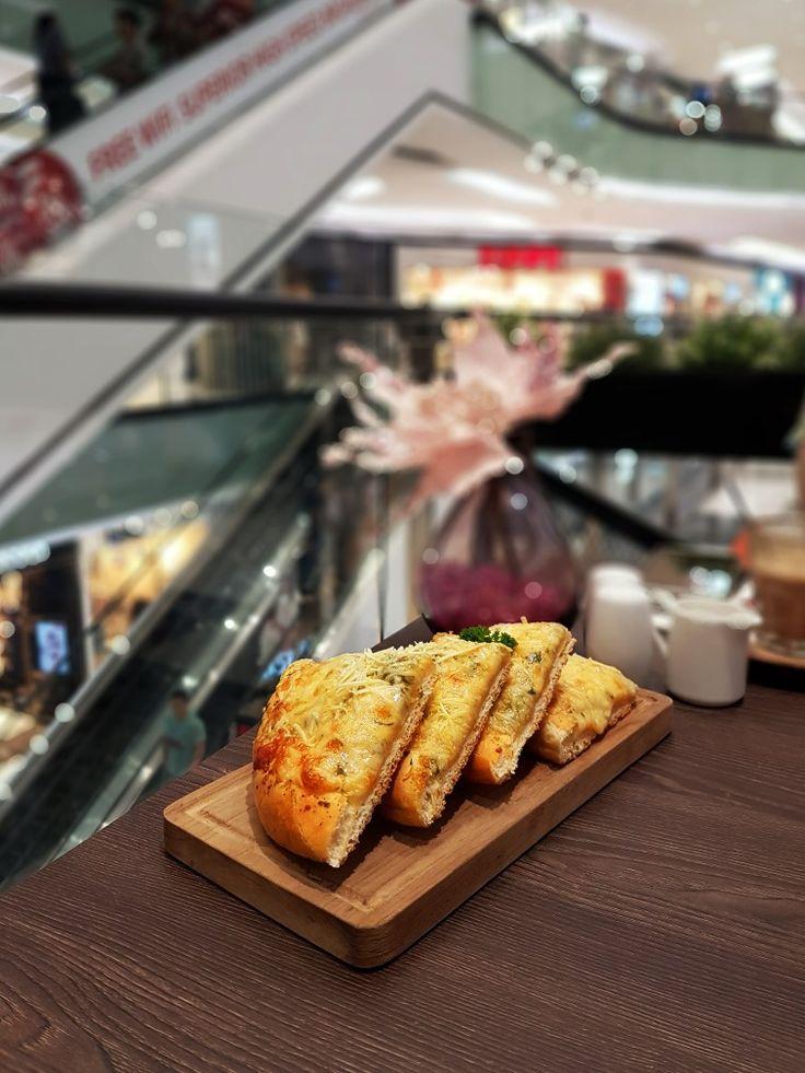 """Garlic Bread"", Almond Tree, Jakarta"