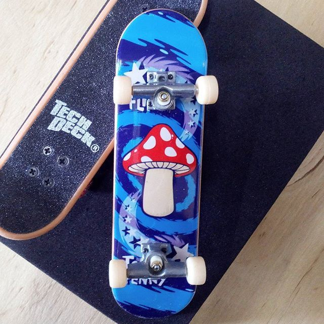 BRAND  FLIP SKATER  TOM PENNY SERIES  STANDARD SERIES PRODUCT  96MM SINGLE PACKS * ไม่มีลายที่ล้อ * #techdeck #techdeckthailand #fingerboard #fingerboardthailand #toysthailand #toythailand #miniskate #tompenny #flip #toysThailand