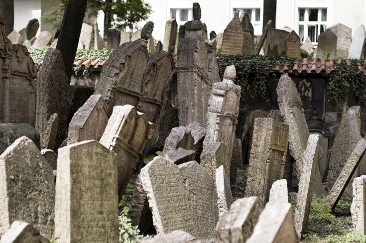 Right Riverbank Prague Jewish Cemetery