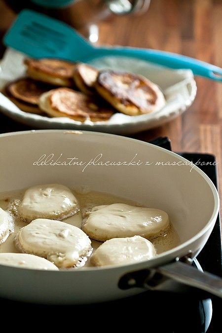 Delikatne cytrynowe placuszki z mascarpone - jeszcze lepsze z bananami