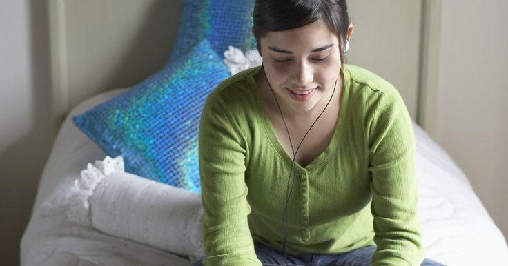 El tamaño estándar de una sábana para una cama individual . Es muy útil saber las medidas de las sábanas de cama individual en caso de que vayas a comprarlas a la tienda o estés usando sábanas para hacer un proyecto de costura o manualidad. La industria de los muebles tiene tamaños estándar de colchones para que sea más fácil para los clientes comprar ropa de cama. Si bien los tamaños de los colchones son ...