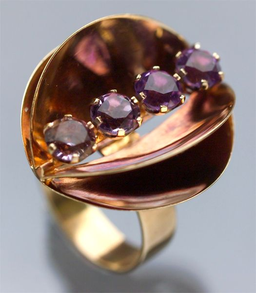 Unknown artist, modernist gold ring with amethyst stones, 1971. 'Finland' marks. | TademaGallery.com