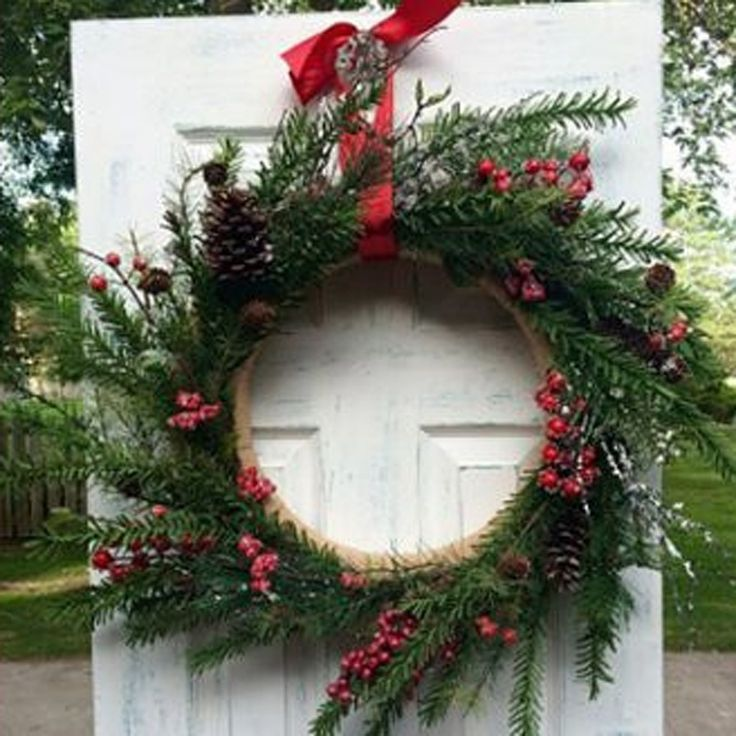 Decorative Wreath- Holly Berry (16 in)