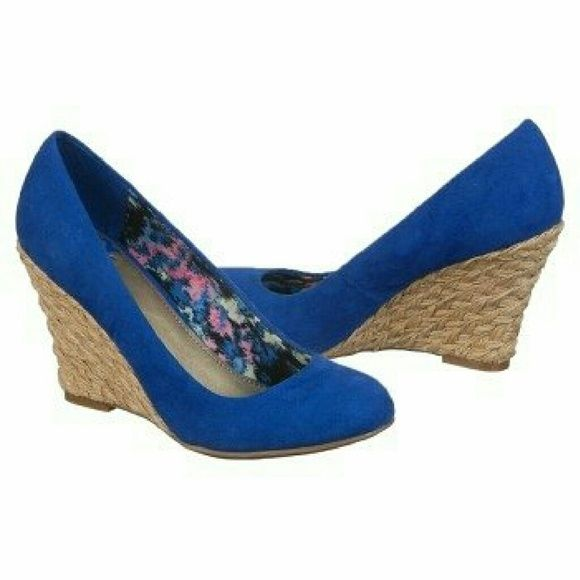 """SALE NWT Fergalicious Royal Blue Wedges 6.5 Last Pair!!!  NWT Fergalicious Tiny Too  Royal Blue Wedges  Still in Plastic  Size 6.5  3 1/4"""" Wedge  Color: Royal Blue  Retail For $46.00    Super cute and comfy wedges.  They are very versatile.   I will ship to you in a Priority Mail Box not in original shoe box. Will be wrapped nice and securely.    No Trades No Paypal No SCAMMERS 'SCAMMERS WILL BE Prosecuted""""  *Happy Shopping!* Fergalicious   Shoes"""
