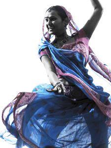 Bollywood kommer från den världskända filmindustrin i Mumbai, Indien och är dans och skådespeleri i ett. Tänd era inre Bollywood-stjärnor och boka vårens gladaste hippa nu!