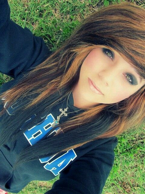 Love Emo hairstyle? wanna give your hair a new look ? Emo hairstyle is a good choice for you. Here you will find some super sexy Emo hairstyle, Find the best one for you, #Emohairstyle #Hairstyles #Hairstraightenerbeauty