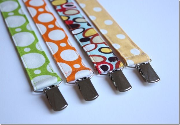 Pacifier Clip Tutorial :)   totally loved having this when Nate used a pacifier...Gotta make for the girl!!!
