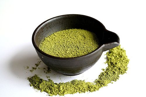 Green vein kratom strain provides many effects and benefits like Relieving pain, Stimulation and nootropic benefits