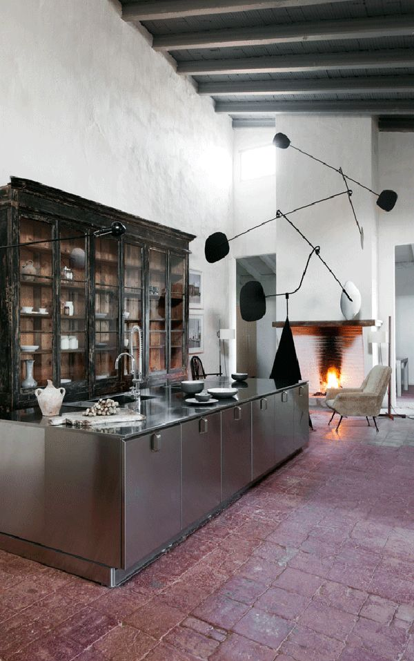 ~A 15th Century Palace Turns Gallery & Weekend Home