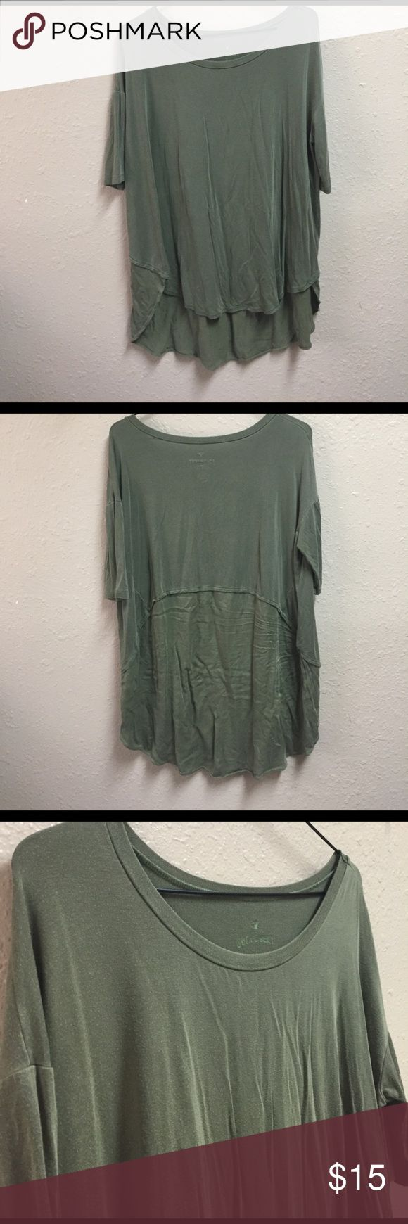 American Eagle Top Extremely soft! Loose fit. Perfect with leggings! American Eagle Outfitters Tops