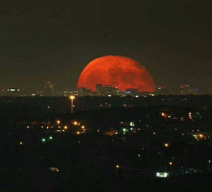 red moon isaac - photo #11