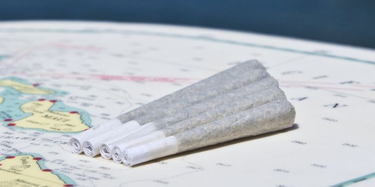 How to roll a joint: this step by step visual guide provides unique tips for joint rollers to roll the best slow burning cone joint or pinner.