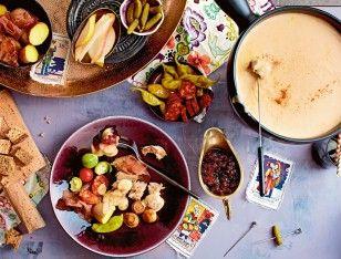 Das Rezept für Käsefondue mit allem Drum und Dran und weitere kostenlose Rezepte auf LECKER.de