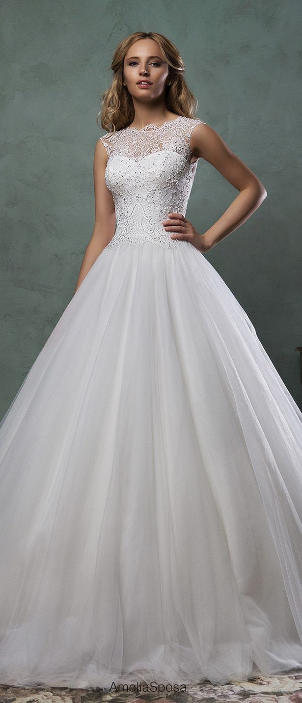 Wedding dresses for bigger figures   best DIY Wedding Fashion images on Pinterest