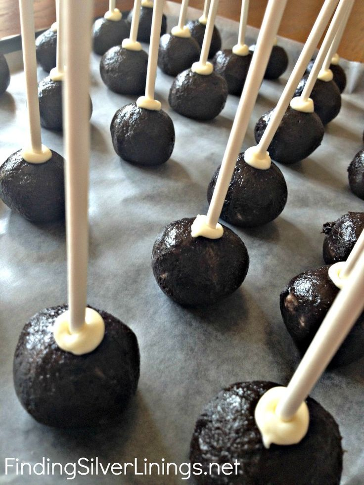 No-Bake Oreo Cake Pops --> I learned how to make these in YW, and they are *divine*...