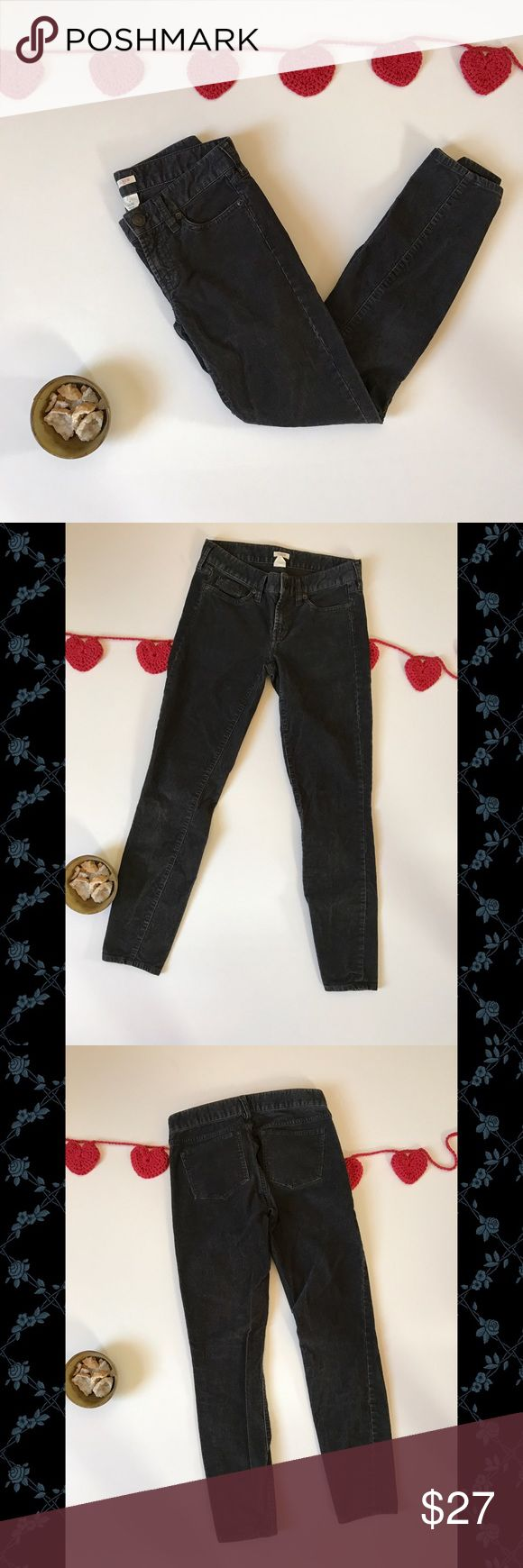 J. Crew Women's skinny gray black corduroys sz 25 This is a cute pair of skinny cords by J. Crew in dark gray/almost black. They are great for casual days and for dressing up a bit (you may even be able to rock them at the office!). They are women's size 25 and are gently pre-owned. J. Crew Pants Skinny