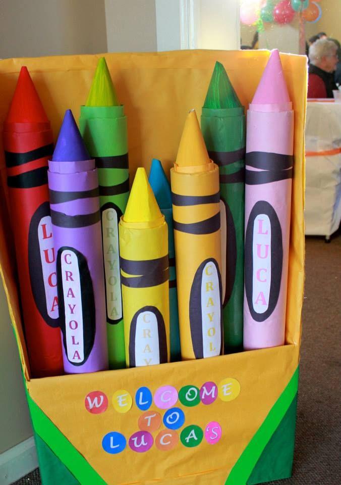 crayon photo booth backdrop?