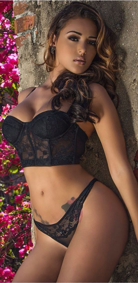 young-latinas-in-lingerie-nude