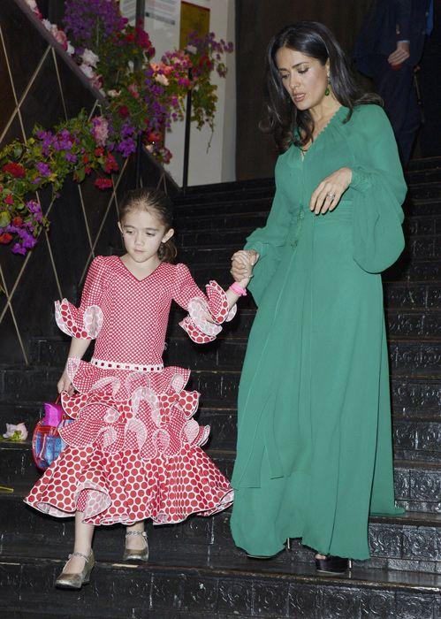 Valentina, hija de Salma Hayek, una flamenca con mucho salero